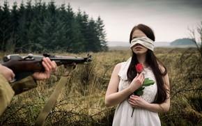 Картинка девушка, роза, винтовка