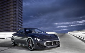 Картинка дорога, Maserati, здание, GranTurismo