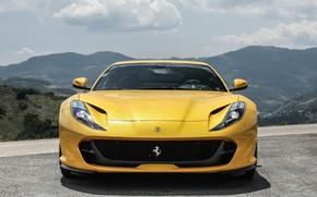 Картинка Ferrari, вид спереди, 2018, Superfast, 812