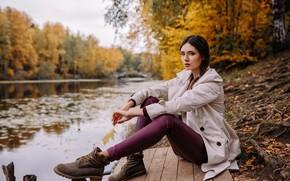 Картинка Disha Shemetova, Катерина Монич, ножки, листья, вода, сидит, ветки, осень, Девушка