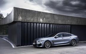 Картинка стена, здание, купе, BMW, Gran Coupe, 8-Series, 2019, четырёхдверное купе, 8er, G16, свинцовое небо