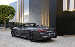 Картинка стена, здание, BMW, кабриолет, 2019, BMW M8, M8, F91, M8 Competition Convertible, M8 Convertible