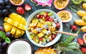 Картинка киви, клубника, тарелка, виноград, фрукты, манго, ананас, банан, маракуйя
