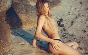 Обои песок, пляж, попа, девушка, поза, модель, волосы, блондинка, красавица, Elizaveta Prohorenko, Елизавета Прохоренко