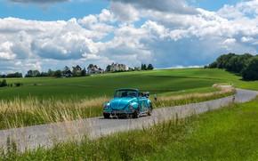 Картинка дорога, зелень, поле, машина, лето, небо, трава, облака, свет, деревья, ретро, замок, голубой, холмы, поля, …
