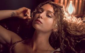 Картинка взгляд, девушка, свет, поза, лампа, портрет, макияж, прическа, шатенка, боке, Anne Hoffmann, kassio. epia
