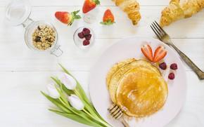 Картинка ягоды, еда, завтрак, клубника, тюльпаны, блинчики, мюсли