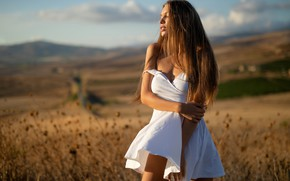 Картинка girl, cleavage, dress, field, breast, photo, photographer, model, lips, brunette, chest, white dress, portrait, mouth, …