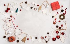 Картинка белый, фон, праздник, игрушки, рождество, подарки, Новый год, декор, композиция