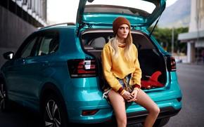 Картинка авто, девушка, поза, улица, свитер, Cara Delevingne