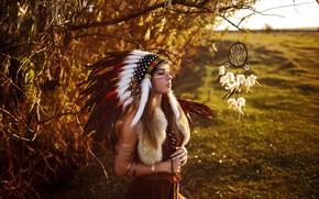 Картинка поле, девушка, украшения, деревья, пейзаж, ветки, перья, наряд, мех, шатенка, амулет, раскраска, боке, закрытые глаза, …