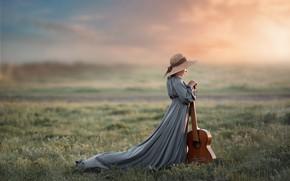 Картинка гитара, девочка, шляпка