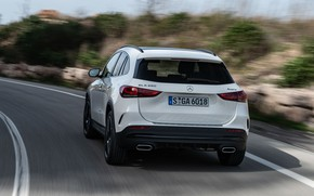 Картинка Mercedes-Benz, скорость, вид сзади, кроссовер, GLA, 4MATIC, GLA-Class, 2020, AMG Line, GLA 250