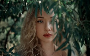 Картинка листья, девушка, ветки, лицо, макияж, блондинка, Ann Nevreva