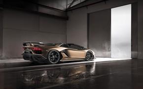 Картинка машина, свет, дым, Lamborghini, спойлер, спорткар, диски, боксы, roadster, Aventador, SVJ