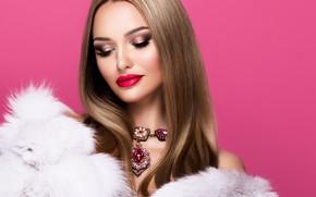 Картинка девушка, стиль, модель, портрет, макияж, мех, накидка, колье, Korabkova
