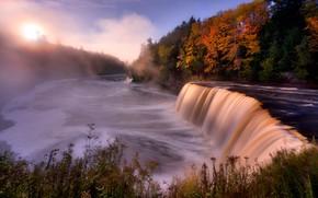 Картинка осень, пейзаж, природа, туман, парк, река, рассвет, водопад, утро, леса, берега, State Park, Tahquamenon Falls