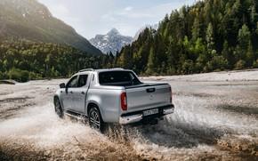 Картинка брызги, Mercedes-Benz, пикап, горная река, 2018, X-Class, серо-серебристый