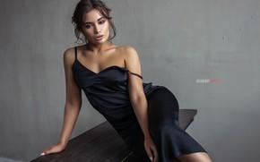 Картинка девушка, поза, стена, платье, на столе, Кирилл Закиров, Валерия Королёва