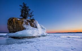 Картинка зима, снег, деревья, закат, скала, озеро, лёд, Берлингтон, Vermont, Вермонт, Burlington, Озеро Шамплейн, Lake Champlain