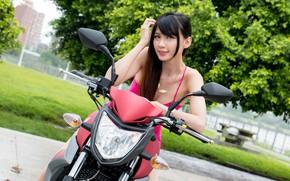 Картинка взгляд, Девушки, мотоцикл, азиатка, красивая девушка, позирует на мотоцикле, SYM T2