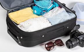 Картинка купальник, отдых, одежда, шляпа, очки, фотоаппарат, чемодан, поездка, боке