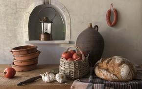 Картинка хлеб, фонарь, кувшин, натюрморт, корзинка, помидоры, колбаса, чеснок