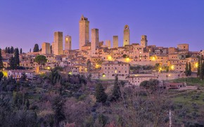Картинка огни, башня, Италия, Сан-Джиминьяно