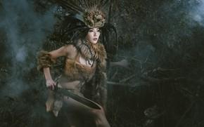Картинка лес, девушка, лицо, волосы, меч, перья, костюм