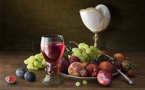 Картинка вино, бокал, ракушка, клубника, виноград, натюрморт, сливы, персик, инжир