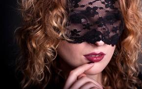 Картинка взгляд, девушка, крупный план, лицо, рука, портрет, макияж, маска, прическа, рыжая, вуаль