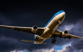 Картинка Лайнер, Посадка, Airbus, A330, ВПП, Авиалайнер, Шасси, KLM, Airbus A330-300, A330-300, Royal Dutch Airlines, Airbus …