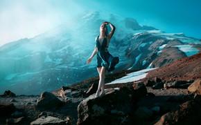 Картинка девушка, свет, горы, стиль, камни, платье, фэнтези, образ, фотоарт, Kindra Nikole