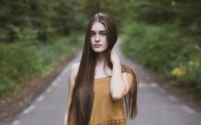 Картинка взгляд, девушка, природа, лицо, поза, парк, волосы