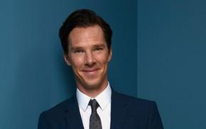 Картинка улыбка, актёр, синий фон, Бенедикт Камбербэтч, Benedict Cumberbatch, британский актер