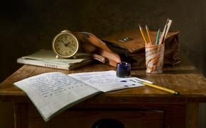 Обои письмо, стакан, стиль, ретро, буквы, стол, фон, перо, прошлое, учеба, часы, перья, карандаши, книга, кляксы, ...