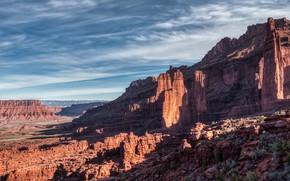 Картинка небо, облака, свет, горы, природа, синева, камни, скалы, пустыня, вид, склон, Юта, США, рельеф, национальный …