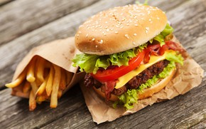 Картинка овощи, помидоры, гамбургер, котлета, бекон, булочка, салат