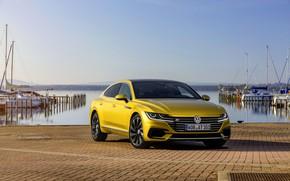 Картинка жёлтый, брусчатка, Volkswagen, набережная, 2018, R-Line, лифтбэк, 2017, Arteon