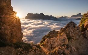 Картинка солнце, облака, лучи, горы, природа, утро, Италия, Доломиты