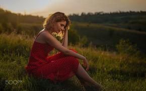 Картинка девушка, природа, платье, сидит, Roma Chernotitckiy