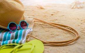 Картинка песок, море, пляж, лето, солнце, отдых, полотенце, шляпа, очки, summer, beach, sea, sand, vacation, sunglasses