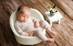 Картинка доски, сон, кресло, девочка, малышка, ребёнок, младенец, букетик, табурет, Наталья Михайлова