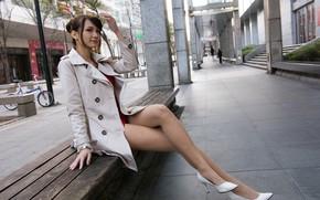 Картинка скамейка, ноги, туфли, азиатка