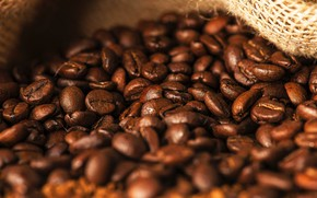Картинка макро, кофе, россыпь, много, кофейные зерна, мешковина
