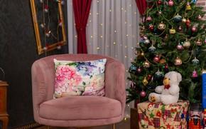 Картинка комната, праздник, игрушка, кресло, медведь, Рождество, мишка, Новый год, подушка, новогодние украшения, новогодняя ёлка, новогодние …