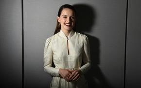 Картинка взгляд, девушка, улыбка, тень, Star Wars, Daisy Ridley