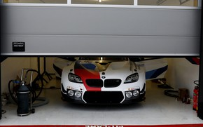 Картинка купе, гараж, BMW, 2019, M6 GT3
