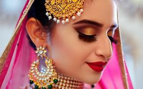 Картинка girl, eyes, smile, beautiful, model, lips, face, hair, pose, indian, makeup, Jewelery