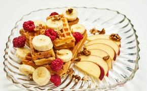 Картинка малина, яблоки, бананы, фрукты, орехи, вафли